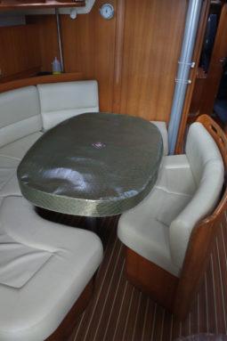 sakanvoal_voile-bateau_sur-mesure_equipement-bateau_habillage-table